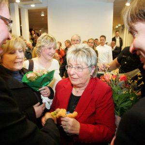 Ulrike Merten MdB, Achim Tüttenberg MdL und Kreisvorsitzender Sebastian Hartmann gratulieren